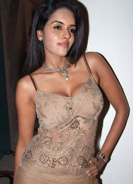 Tamil Asin Sex http://actresspakistannews.blogspot.com/2013/03/bollywood-actress-asin-hot-photos.html