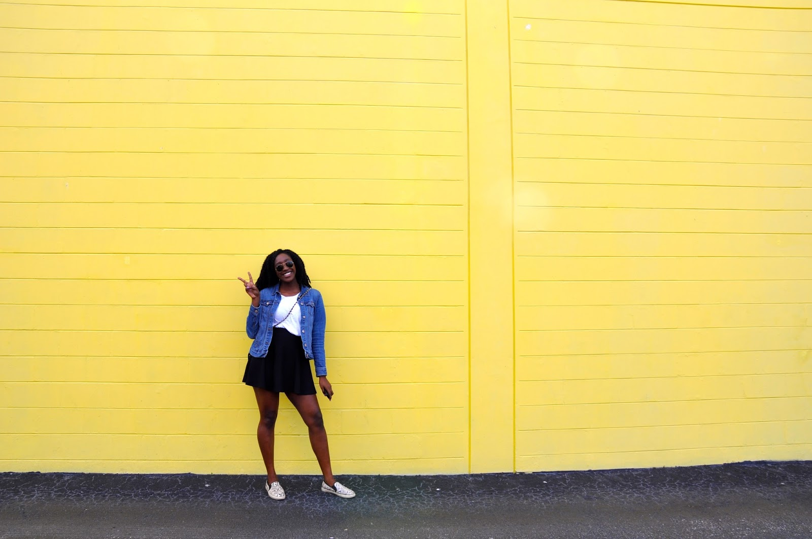 Colorful Walls = Perfect Background | marveling-mind