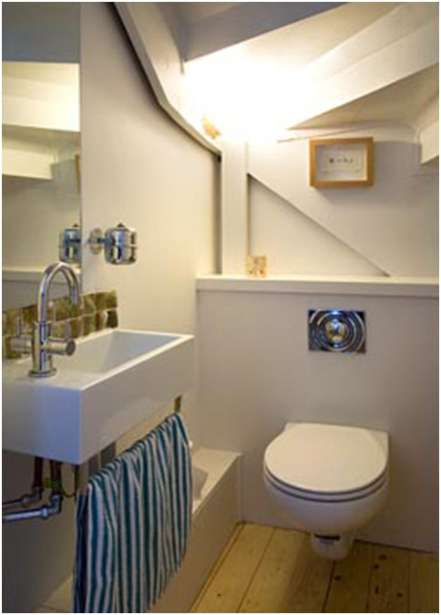 Bathroom under the stairs bathrooms design for Bano bajo escalera
