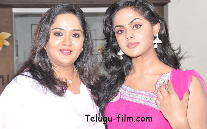 Actress Radha Family http://www.telugu-film.com/2012/05/actress-radha-and-his-daughter-karthika.html