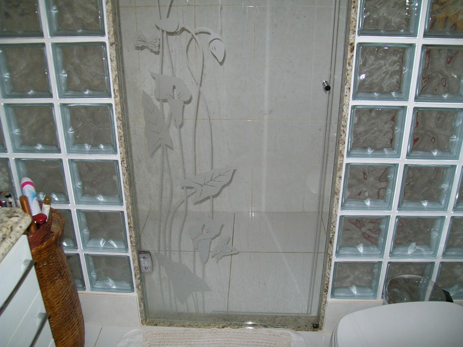box feito com tijolo dee vidro xporta de vidro temp e jateado  VERA ARTES -> Armario De Banheiro Feito De Tijolo De Vidro