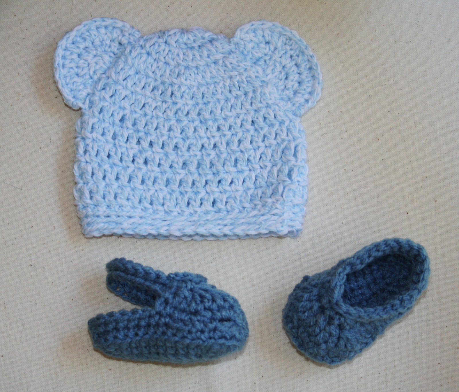 Crochet Baby Teddy Bear Hat Pattern : Tampa Bay Crochet: Crochet Baby Bear Hat & Crocs Sandals ...