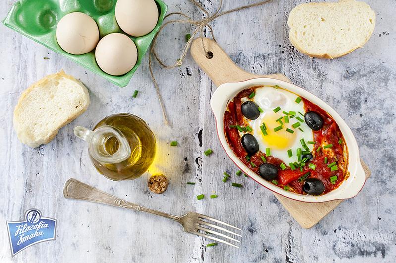 Jajka z chorizo przepis