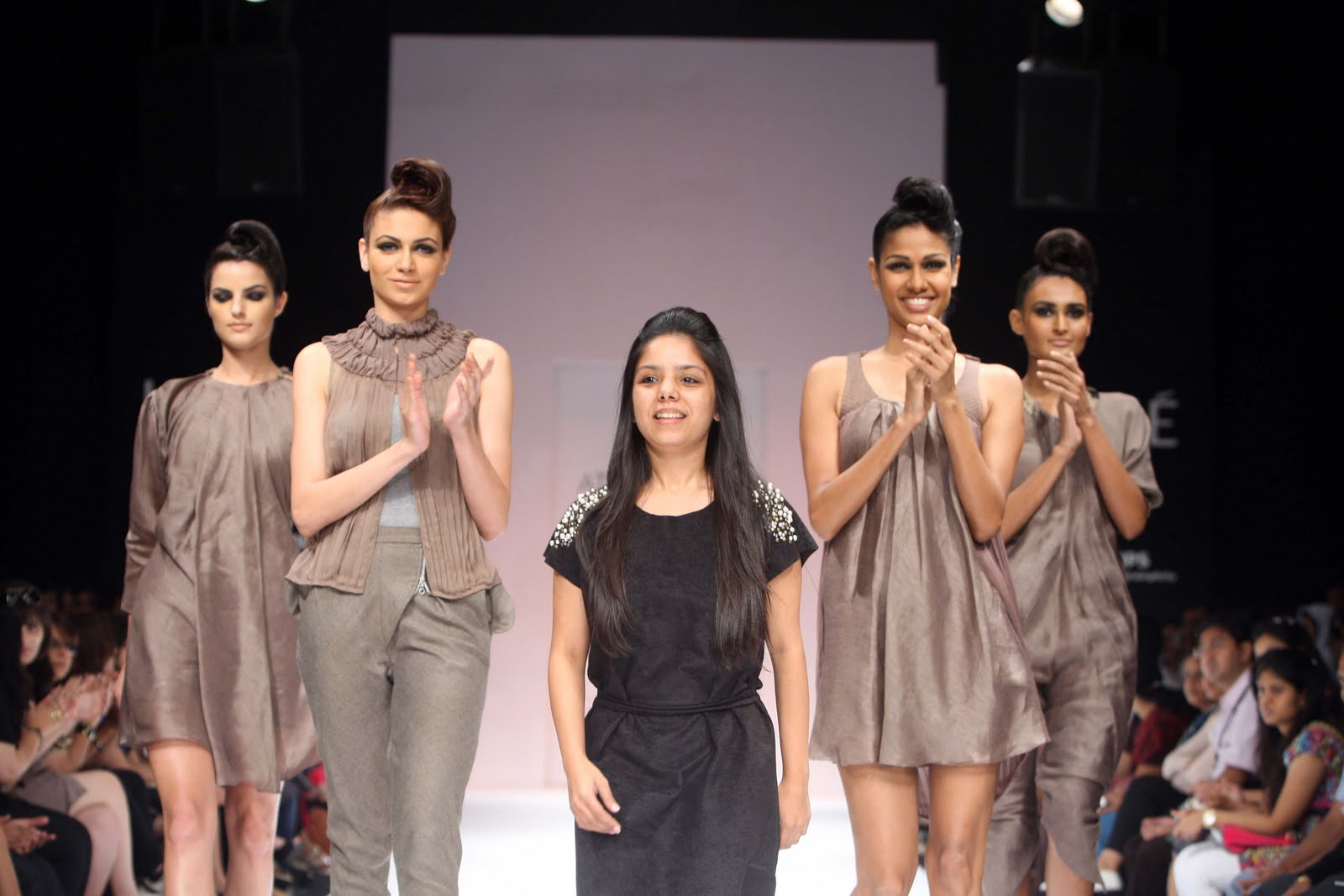 Lakme Fashion Week 2018:Top Oops Moments from LFW! Boldsky 5