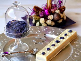 Delícia de xocolata blanca i violetes