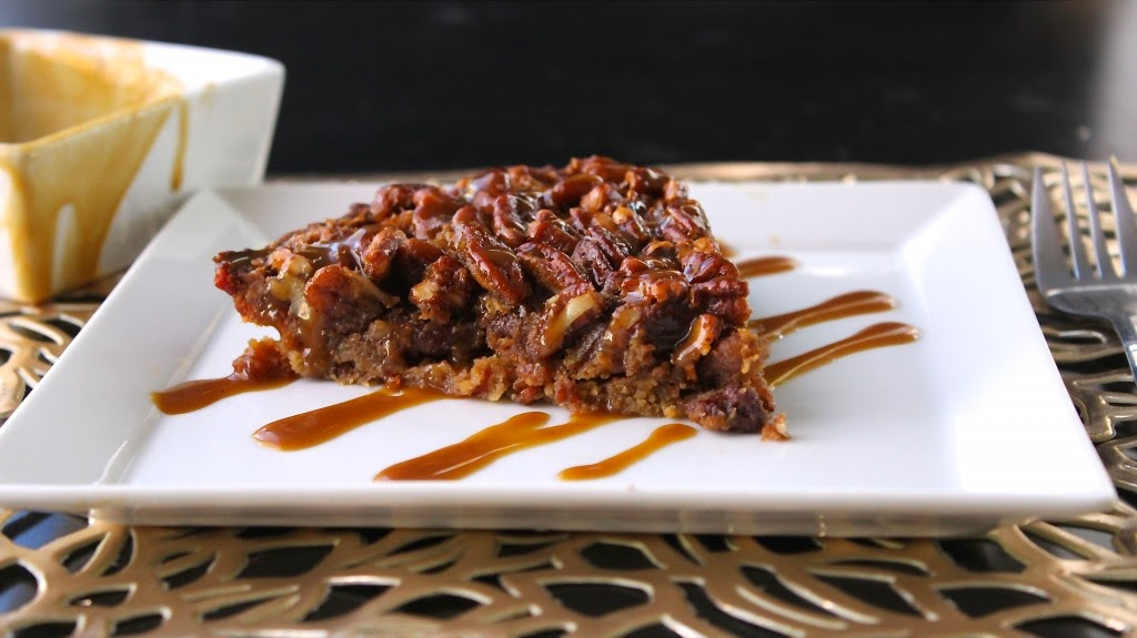 PECAN PIE WITH BACON CRUST with CARAMEL DRIZZLE from Predominately Paleo