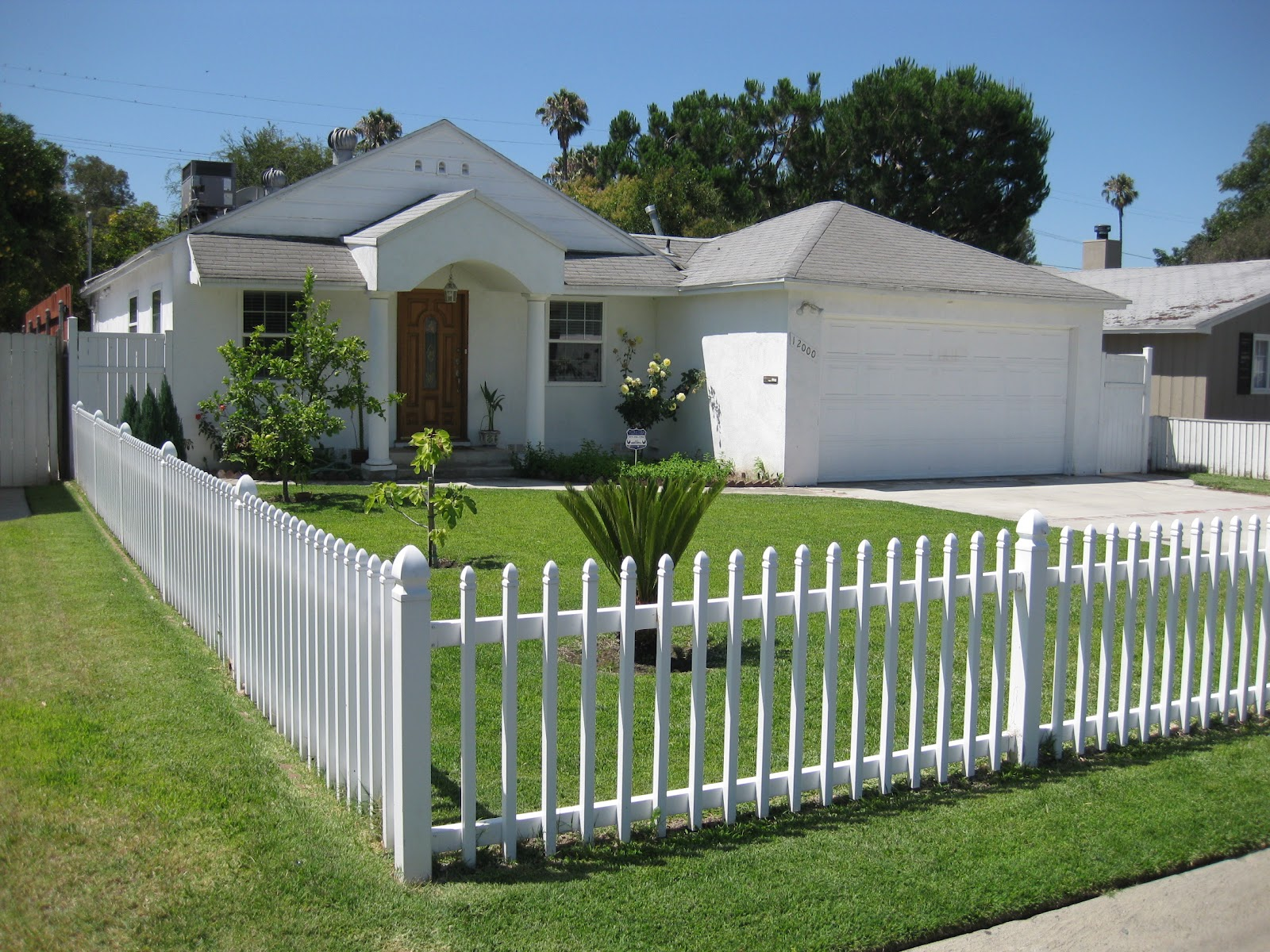 Just Listed! 2+2, White Picket Fence in Valley Village! $479K