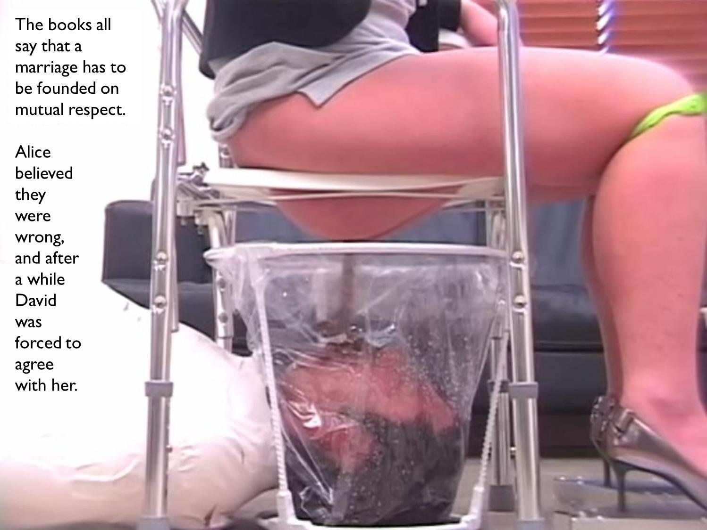 Beautiful women sucking cock video ...