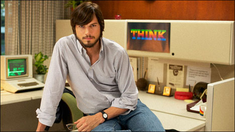 Steve Jobs es interpretado por Ashton Kutcher