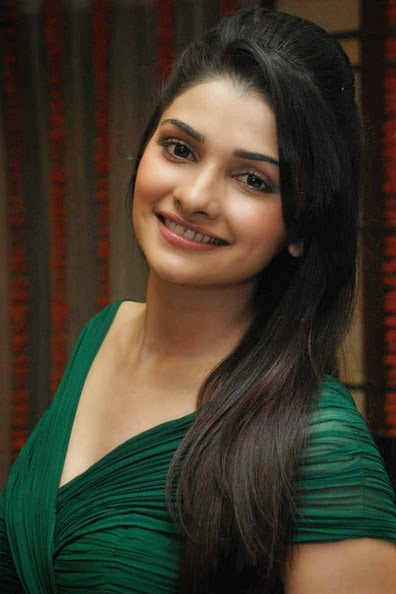 prachi desai looks very sexy naked in her tight green bra panty hot pics oops moments of hot bollywood actress prachi desai