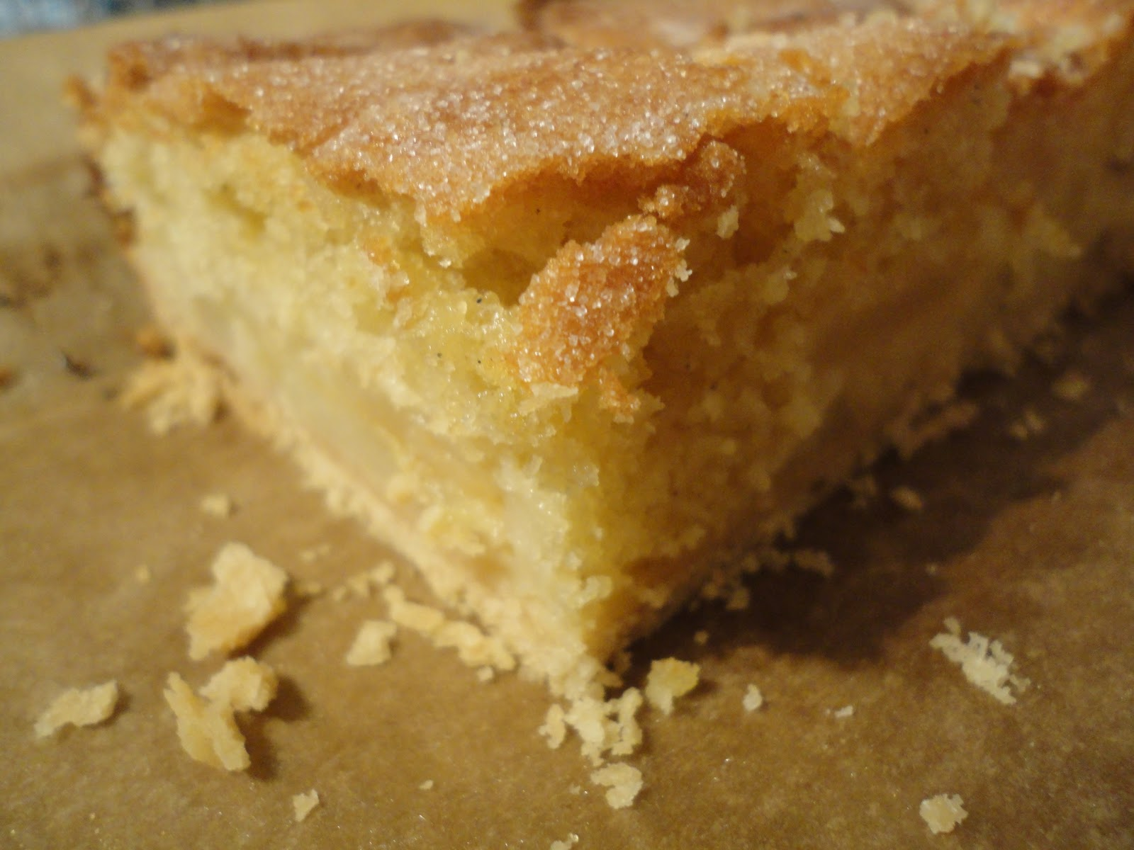 Apple Sponge Cake With Pastry Base