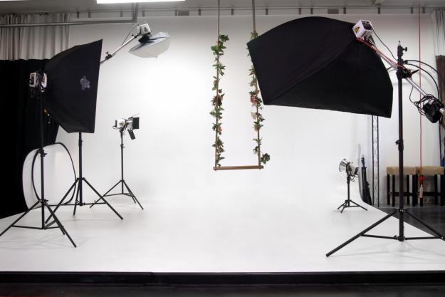 How To Choose The Right Studio Lighting Creative