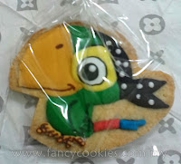 disney's jake and the neverland pirates fancy cookies skully the parrot