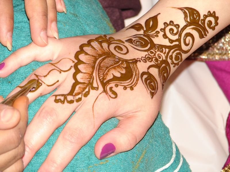 Mehndi Tattoo Artists : Fashion henna mehndi design