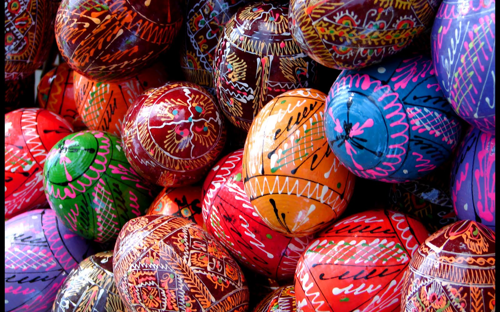 beautiful easter eggs background -#main
