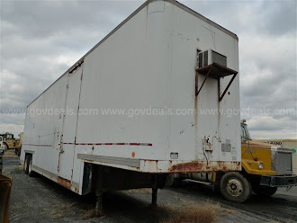 TRUCK STUDIO FOR CONSTRUCTION