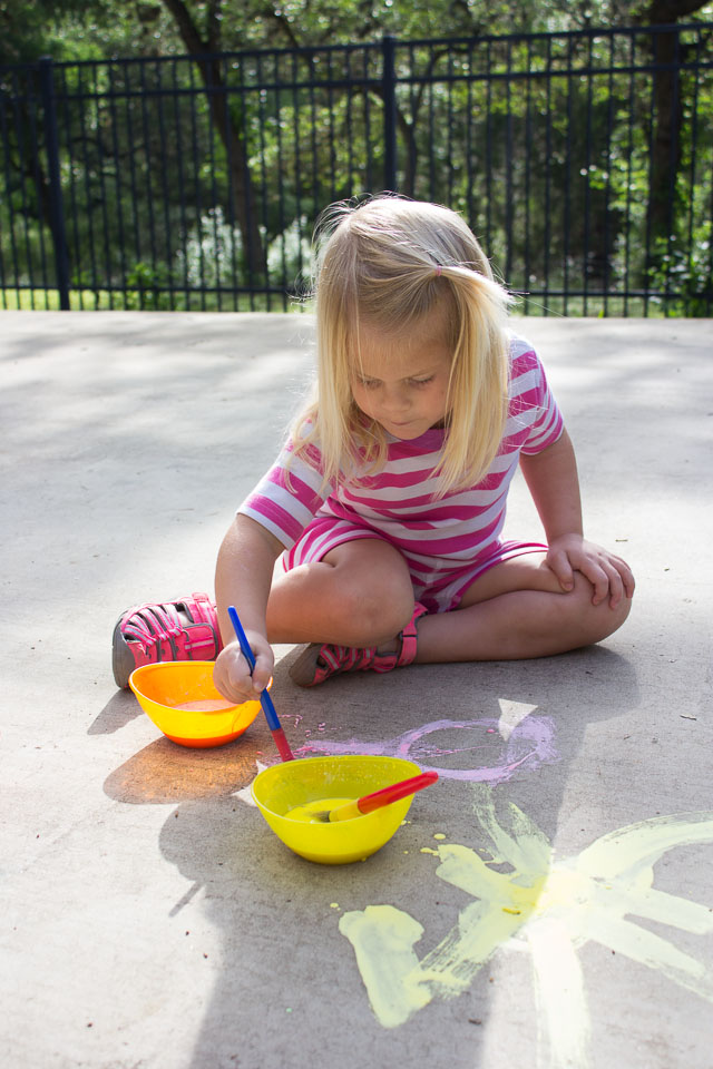 3 ingredient sidewalk chalk paint