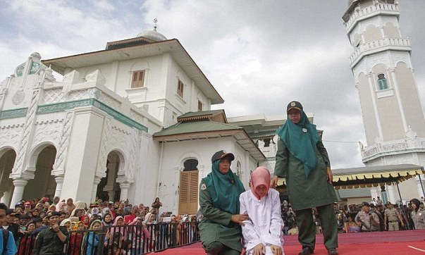 Woman-Caned-Mercilessly-In-Indonesia