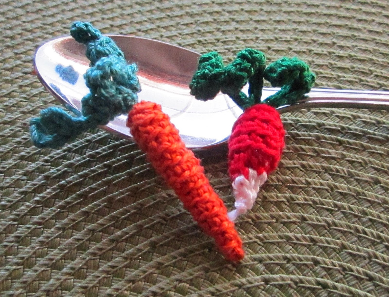 Knitting Patterns For Vegetables : KBB Crafts & Stitches: Knit and Crochet Your Veggies!