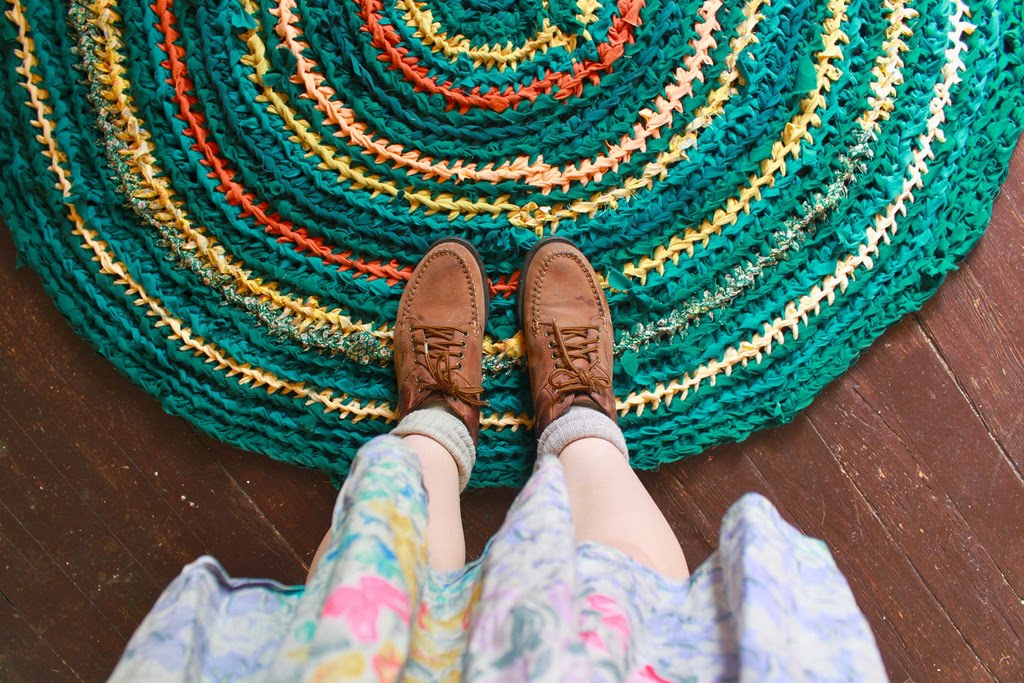 Las Teje y Maneje: CROCHETED RAG RUGS