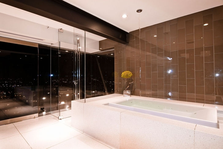 Shower and bathtub in Hollywood Mansion by Whipple Russell Architects