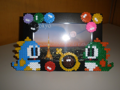 Marco de fotos decorado con Hama Beads Bubble Bobble