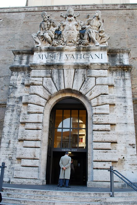Former-entrance-Vatican-Museums