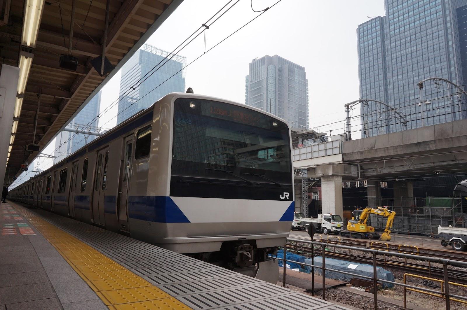 上野東京ライン東京駅に停車中の常磐線E531系