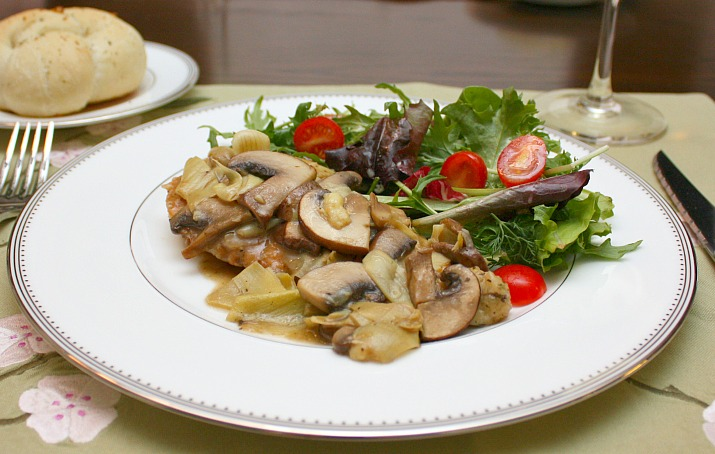 APPLE A DAY: Chicken and Artichokes in White Wine Sauce