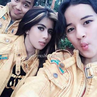 Foto Indri Barbie Dengan Sabrina Sameh dan Doni Tata