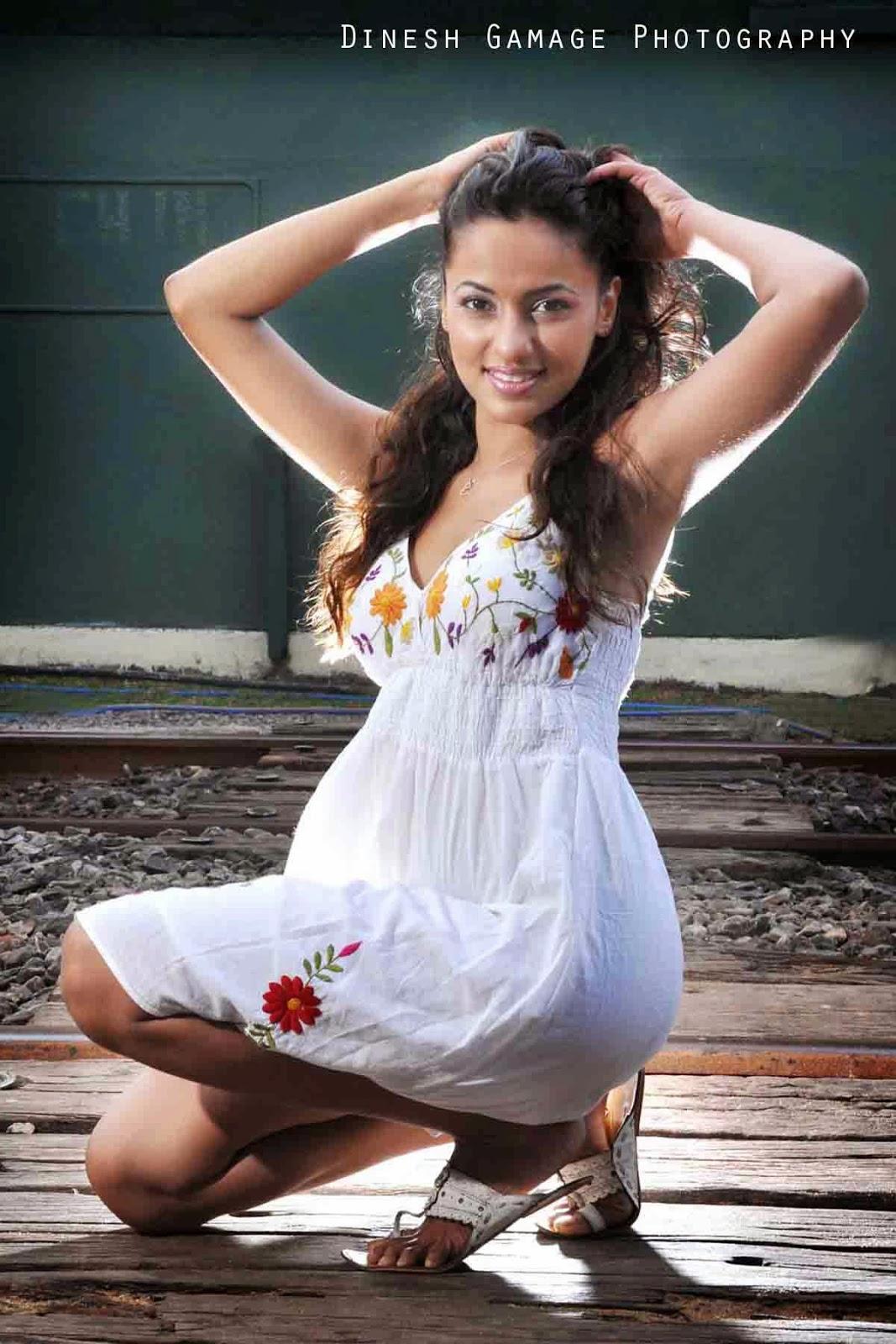 SL Hot Actress Pics: Udari by Dinesh - 283.9KB
