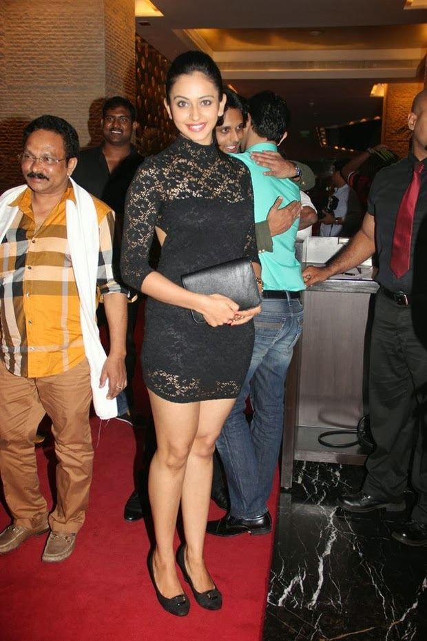 Yaariyan Fame Rakul Preet Singh Showing her Spicy thighs Hot Wallpaper