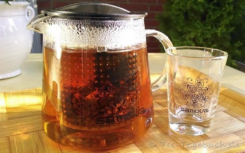 samova 0,8-Liter-Glaskanne mit integriertem Sieb und samova 0,1-Liter-Teeglas