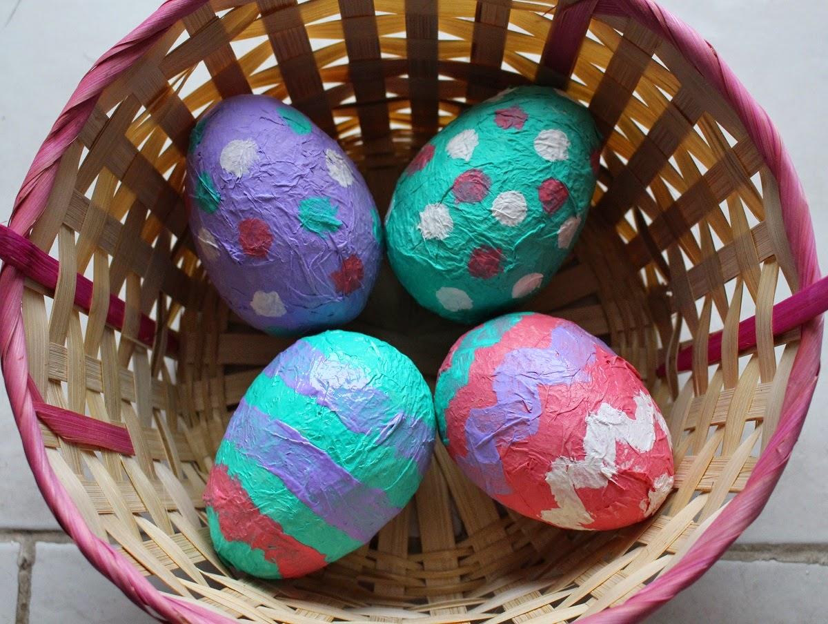 Mamma gioca uova di cartapesta fai da te for Carta per cartapesta
