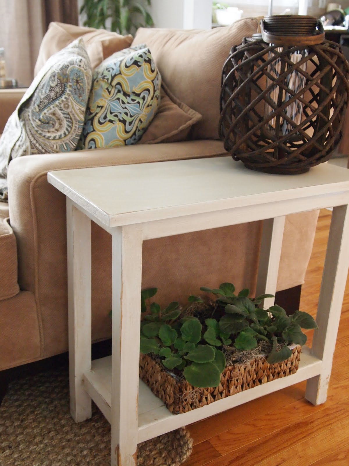 the quaint cottage aged finish narrow diy end table. Black Bedroom Furniture Sets. Home Design Ideas