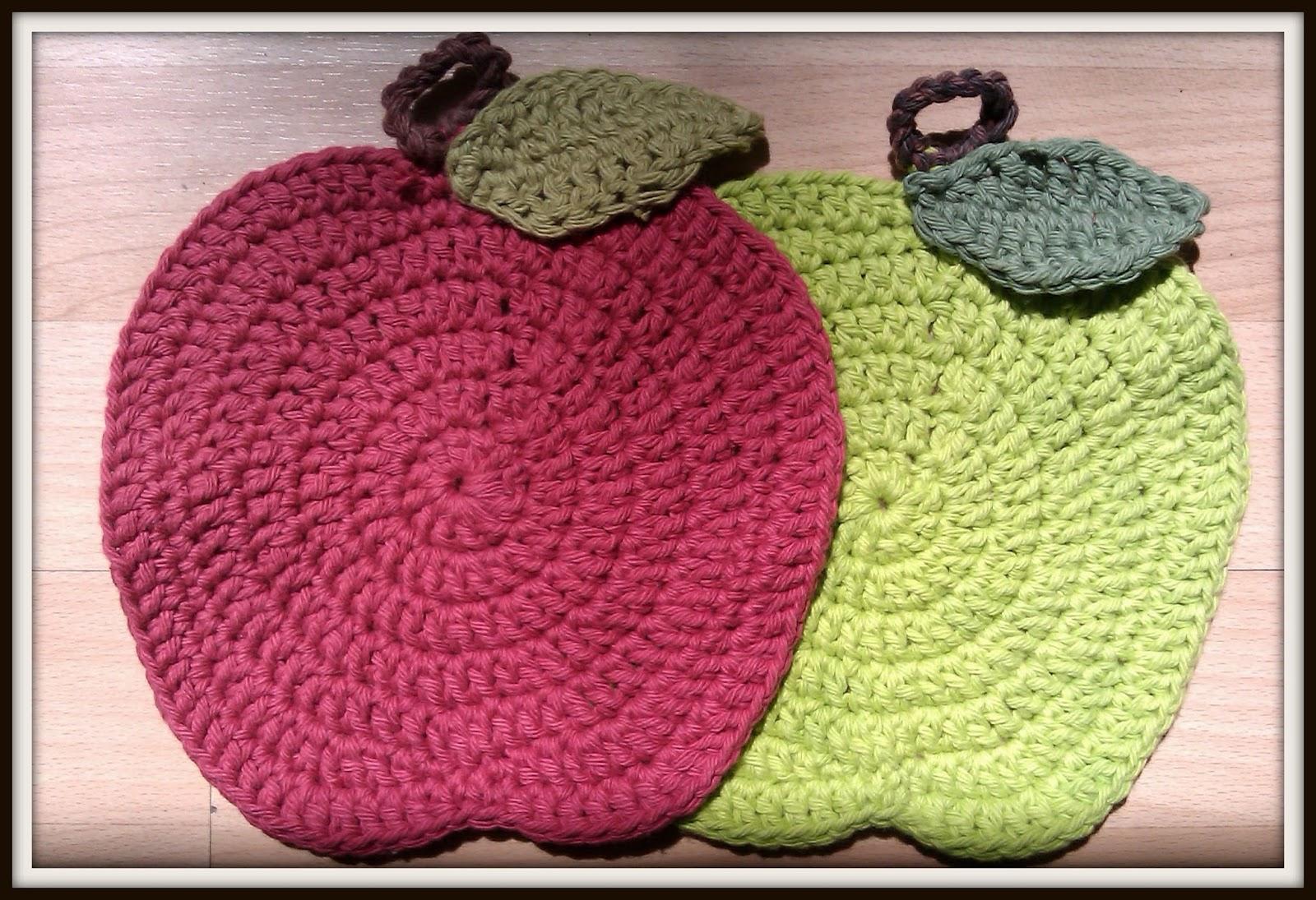 Double Treble Craft Adventures: Teacher\'s Gift Crochet Apple Dish Cloths