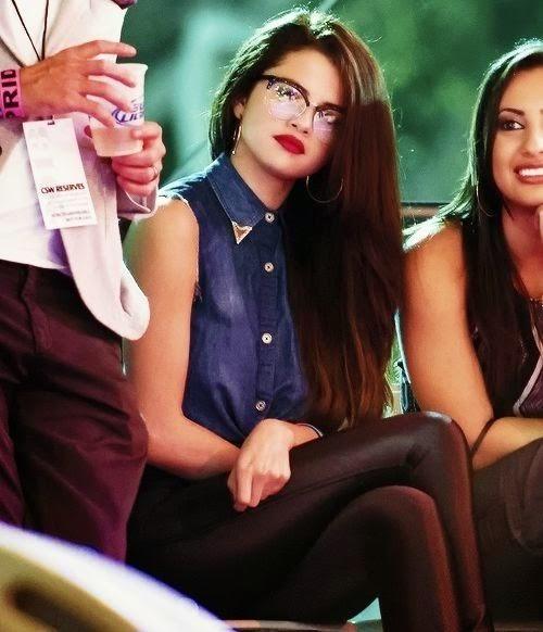 แฟชั่นสำหรับผู้หญิง : แฟชั่นไอคอนจาก Selena Gomez