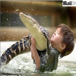 Menino de 3 anos é o mais jovem domador de animais selvagens da Austrália