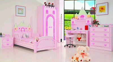 esta habitacin para nia modelo aurore est conformada por una cama un armario una mesa de noche un escritorio y una cmoda