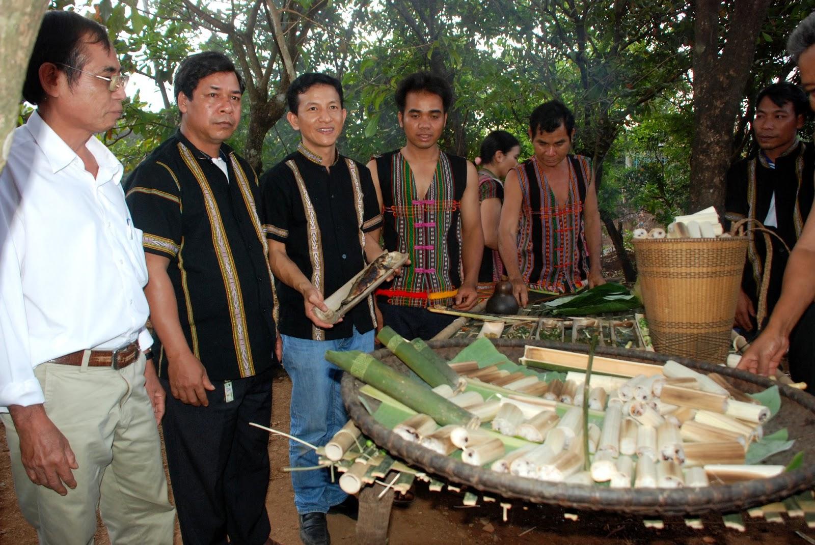 Độc đáo ẩm thực nấu ống lồ ô Kon Tum 6