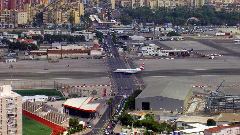 46 Unbelievable Photos That Will Shock You - The Runway at the Gibraltar International Airport Has a Road Crossing It
