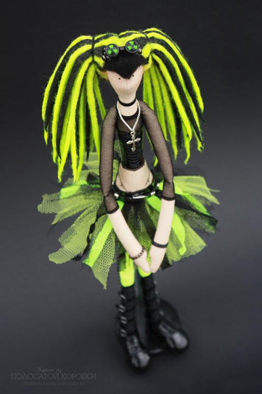 Кукла кибер-гот