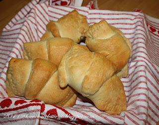 Croissants con erbette, ricotta ed uova