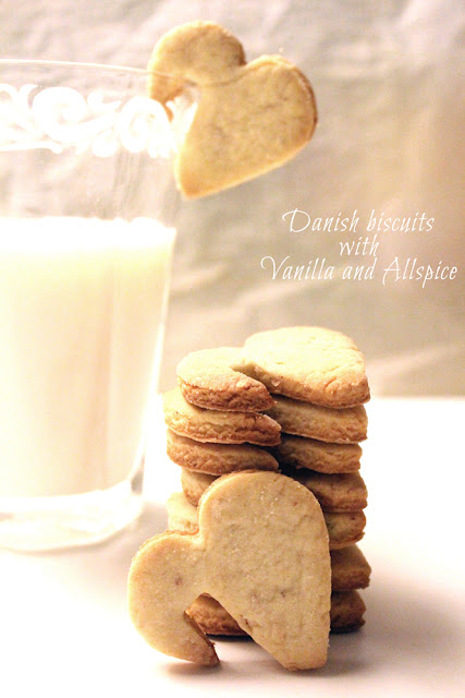 danish cookies with vanilla and allspice