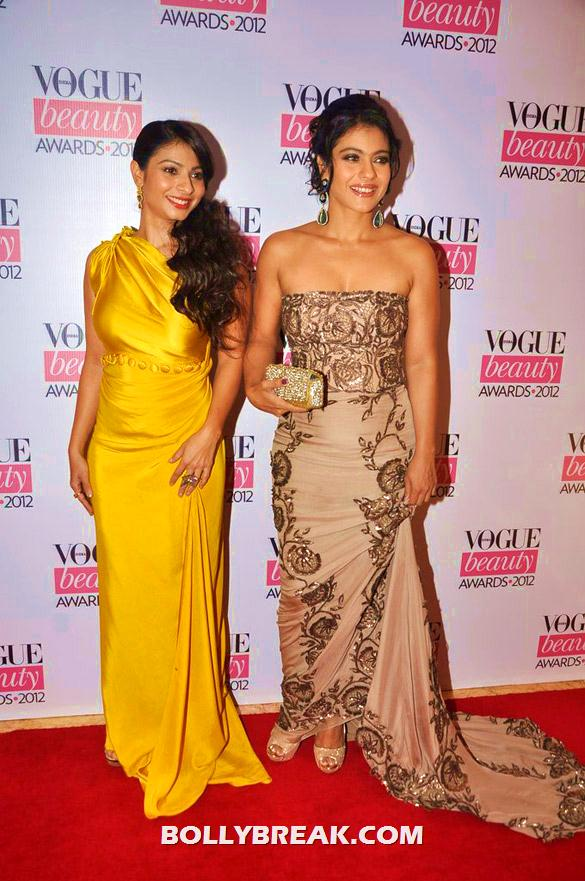 Tanisha Mukherjee in a yellow gown and Kajol in a beige dress and a lacey mosaic - (6) - Deepika, Nargis Fakhri and others @'Vogue Beauty Awards 2012'