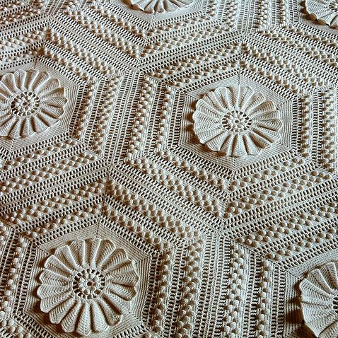Crochet Guide: Vintage Marguerite Bedspread