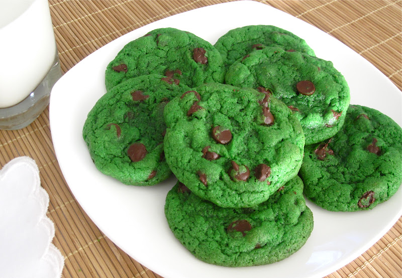 Lindsay Ann Bakes: Mint Chocolate Chip Cookies