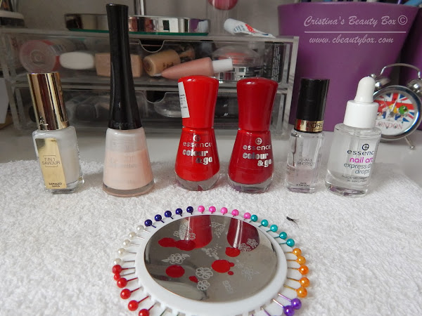 Valentine's Day NOTD: Hearts and Dots