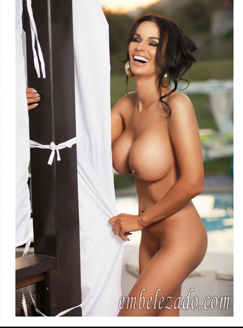 Adina Barbu pelada na Playboy de outubro da Romênia