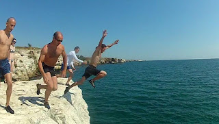 Cliff Jumping in Bulgaria - Tyulenovo